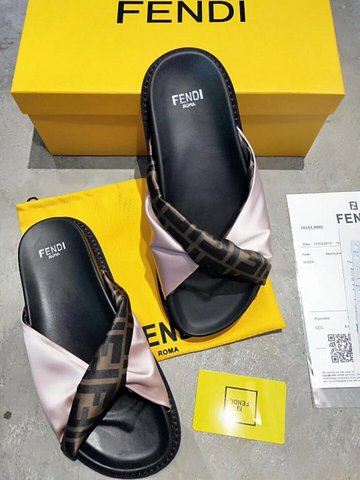 FENDI Shoes-15